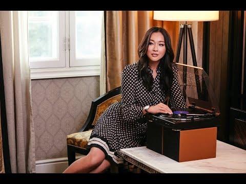 Longines bersama Debbie Goh (Pelakon)