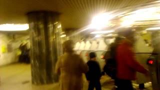 Московское метро,ст Курская...
