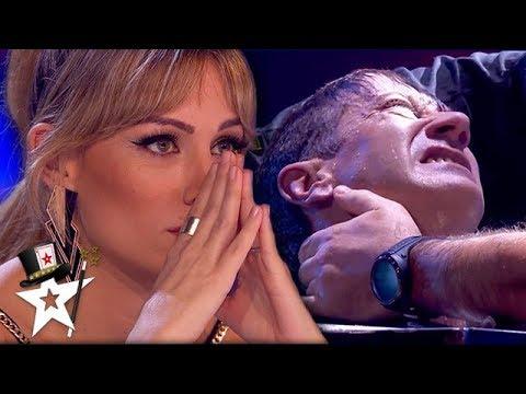 UNDERWATER ESCAPE FAIL! Judge Can't Watch As Paramedics Pull Him Out | Magicians Got Talent (видео)