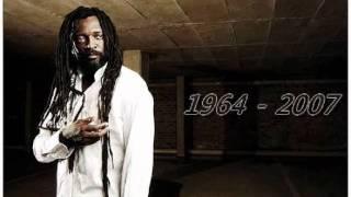 Lucky Dube   Reggae Strong (lyrics)