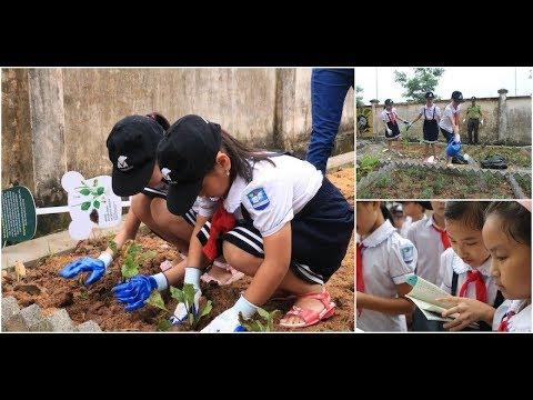 Children of bear bile farmers plant bile farm free future