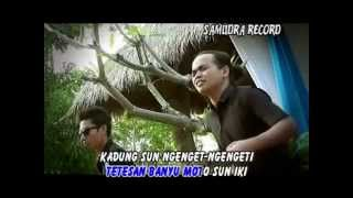 Gambar cover Demy - Ngelali (Official Music Video)