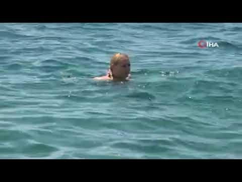 Sahilin keyfini onlar sürdü