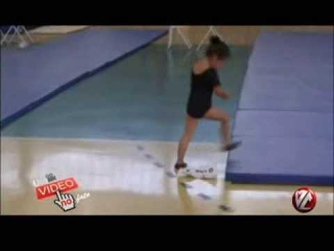 Tv Voz - Um Fato no Vídeo - Menina Dançando Funk