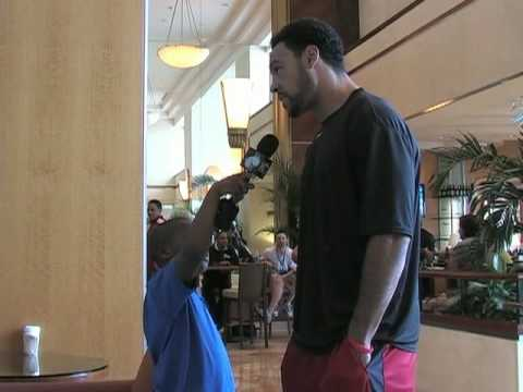2010 Pro Bowl: 3rd Grade Reporter Anthony Bowie Interview with Vincent Jackson