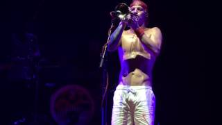 Twenty One Pilots My Heart Will Go On (Titanic) / Love Yourself / Jump LIVE at the BB&T Pavilion