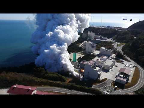 한국형발사체 75톤급 엔진 2호기 145초 연소시험 헬리캠 영상
