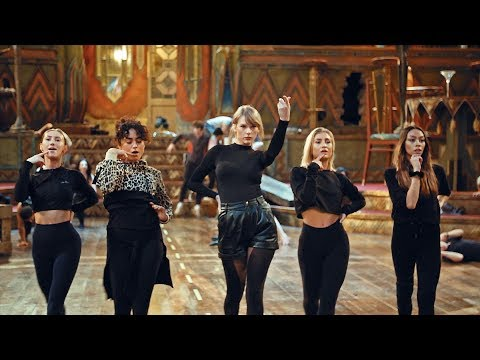 Cats First Look! Go Behind the Scenes With Taylor Swift