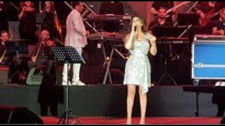 اليسا تنشر الأمل والفرح بين جمهور أعياد بيروت