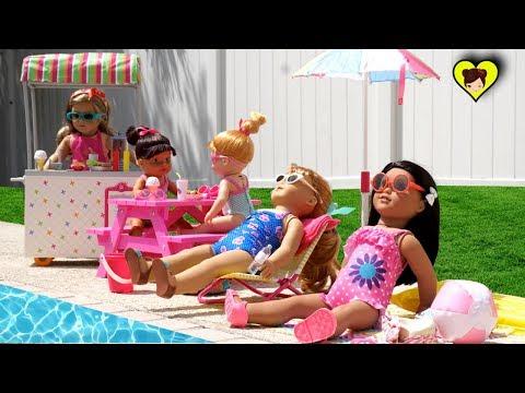 Muñecas Bebe Nadando en la Piscina con Juguetes de American Girl