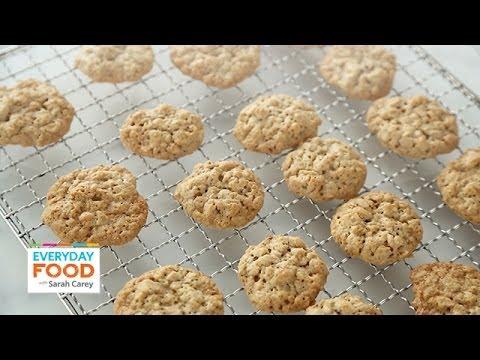 Crispy Maple Oatmeal Cookies – Everyday Food with Sarah Carey