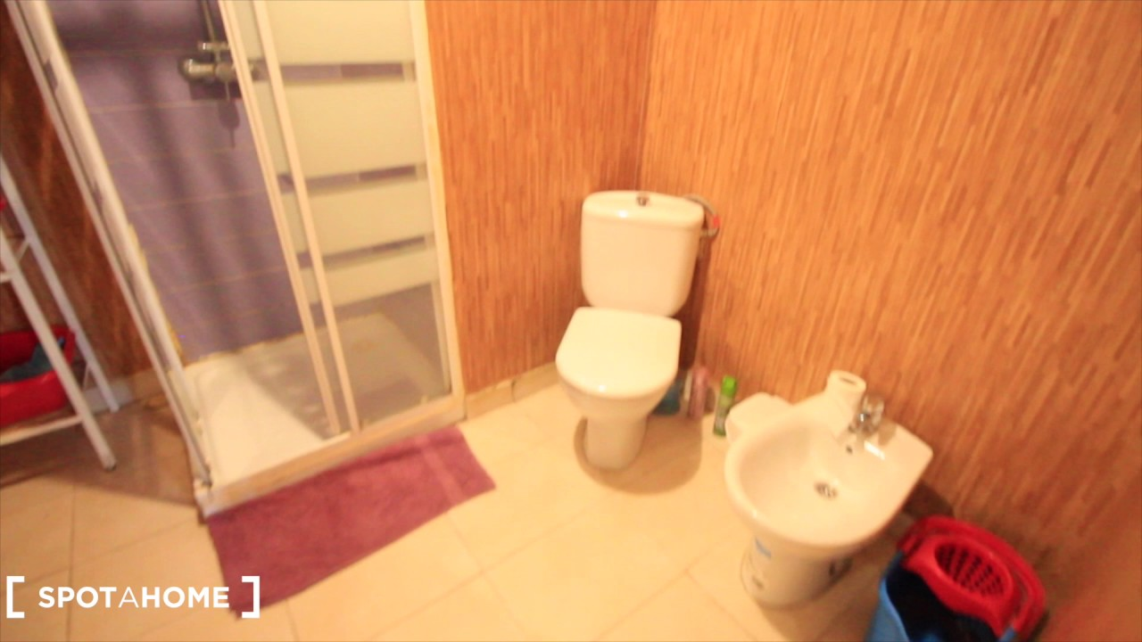 Double bed in Rooms for rent in a 6-bedroom apartment with terrace in Sants