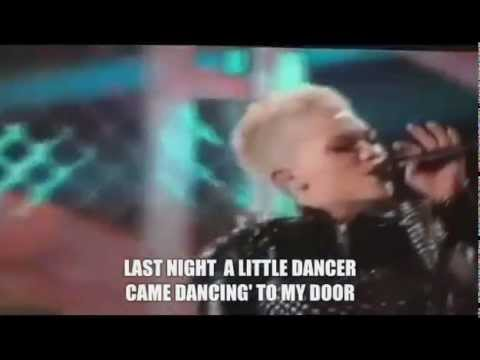 Rebel Yell - Miley Cyrus live VH1 Divas 2012 + Best audio + Lyrics