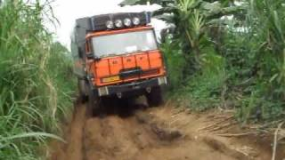 preview picture of video 'DAF truck in Cameroon'