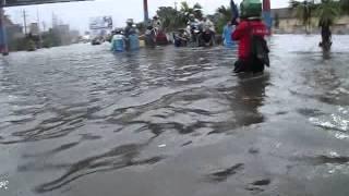 preview picture of video 'Banjir di Terminal Kudus 23/01/2014'