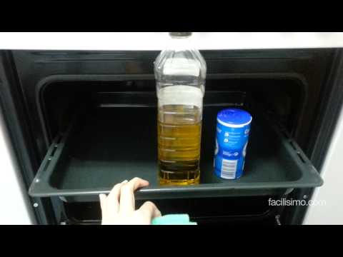 Cómo limpiar a fondo la bandeja del horno | facilisimo.com