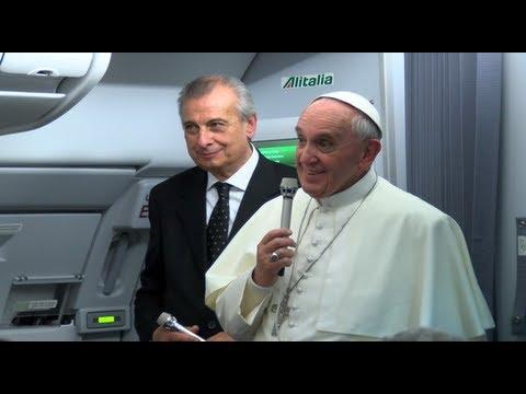 Le Pape dans l'avion de retour du Brésil