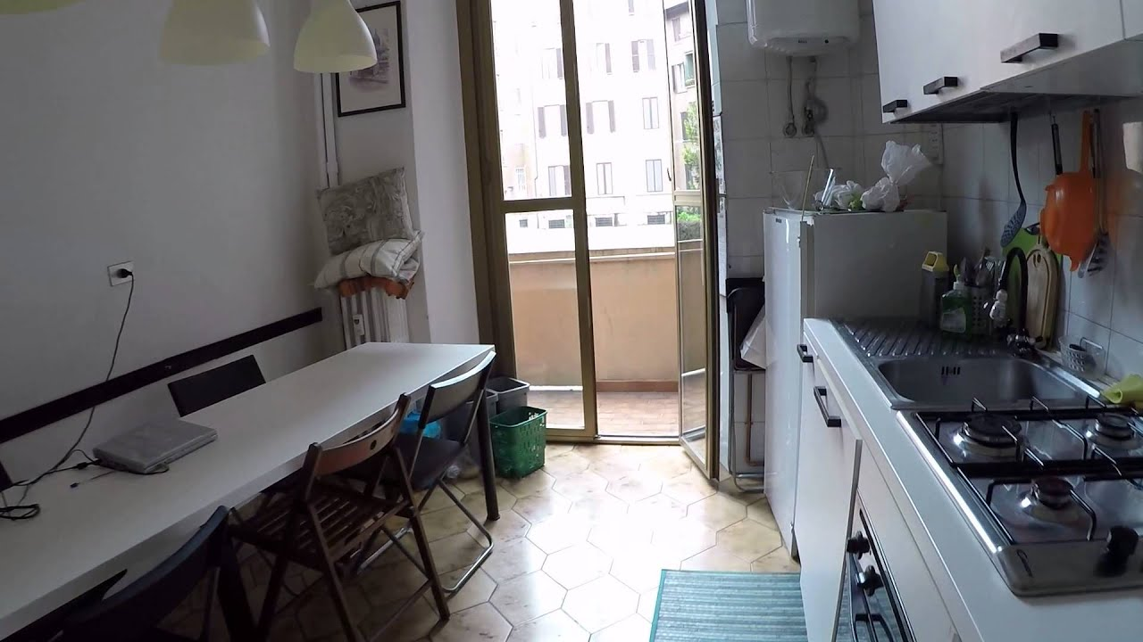Spaziosa stanza disponibile in una tranquilla area residenziale di Milano