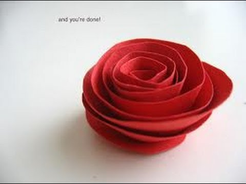 Come fare una rosa di carta