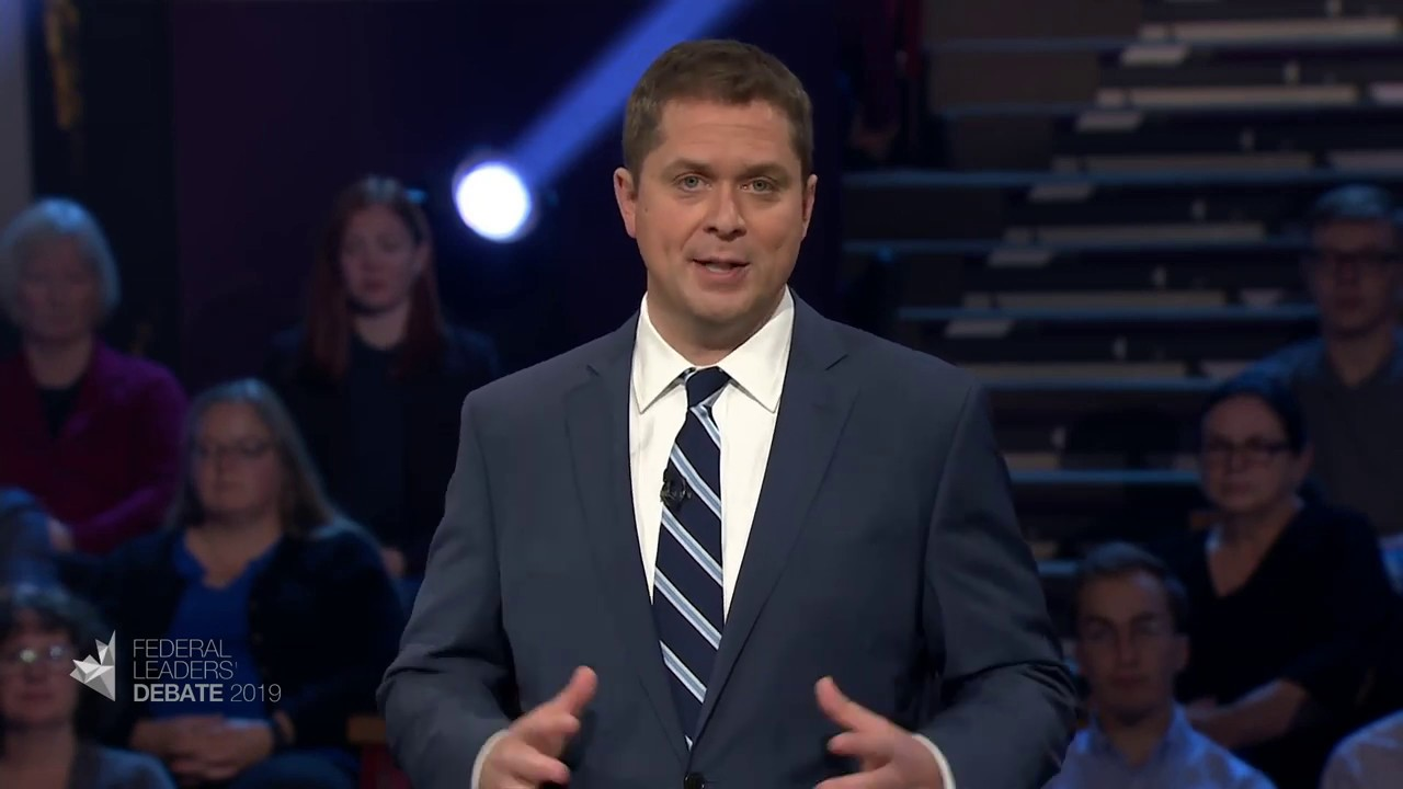 Andrew Scheer answers a question about income inequality and affordability