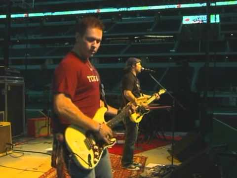 Grady Skelton- Heartbroke and Lonely-Live From Cowboys Stadium