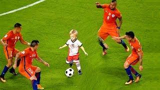 KIDS IN FOOTBALL – FUNNY FAILS SKILLS GOALS⚽