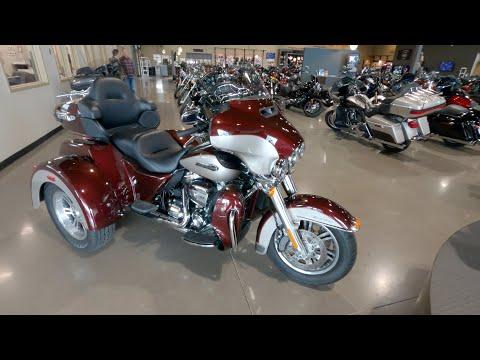 2018 Harley Davidson Tri Glide Ultra Trike FLHTCUTG