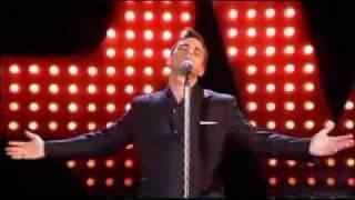 Robbie Williams   Feel (First Live Prezentation 2002)