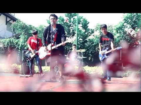 TOOTHPASTE AND KETCHUP - KOTA KECILKU (@TNKpunk Video Clip)