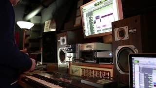 """Jake One: The Making of the Beat for Drake's """"Furthest Thing""""  www.snarejordan.com"""