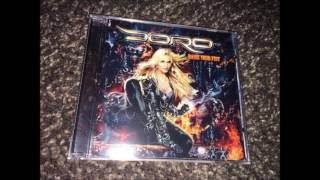 04. It Still Hurts - Doro Pesch with Lemmy Kilmister - Raise Your Fist