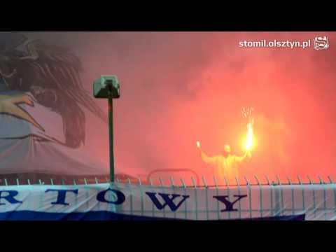 Oprawa kibiców Stomilu Olsztyn podczas meczu z Arką Gdynia