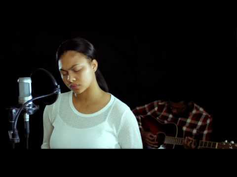 Bri (Briana Babineaux) - My Hands Are Lifted Up / Make Me Over (Unplugged Video)