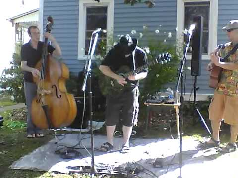 Porchfest2011 - Sum Dude & Friends - Ask Me Why.MP4