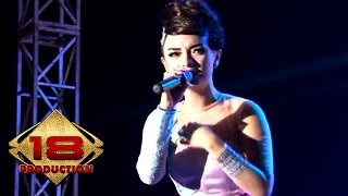 Zaskia Gotik - Pacar Lima Langkah   (Live Konser Karawang 28 September 2013)