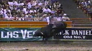 Tuff Hedeman vs Whiplash - 97 PBR Boise (86 pts)