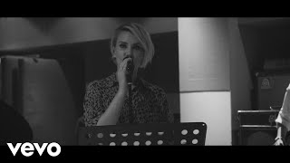 Claire Richards   On My Own (Acoustic Video)