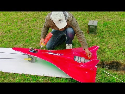 STUNNING RC SPEED OVER 700 KMH (430 MPH) WITH FASTEST RC TURBINE MODEL JET FLIGHT DEMONSTRATION