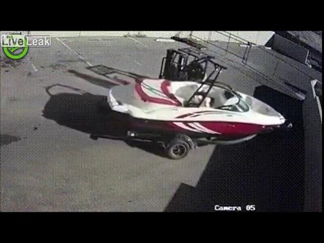 Так вот он какой - худший водитель погрузчика!