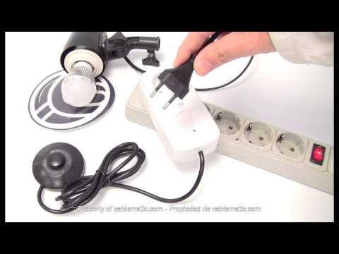 Enchufe con interruptor de pie para ahorro de energía distribuido por CABLEMATIC ®