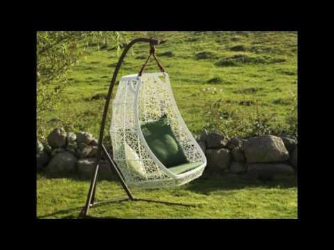 decoracion de jardines con columpios y sillas colgantes