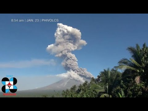 Mt. Mayon ejects lava anew; Alert level 4 still up over Albay