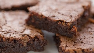 chocolate brownies with cocoa powder and oil