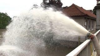 preview picture of video 'Hochwasser an der Innerste in Sarstedt am 29.05.2013'