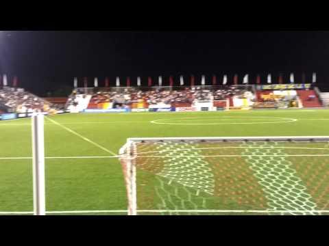 """Kamikazes antes del partido Real Esteli vs Tigres"" Barra: Barra Kamikaze • Club: Real Estelí"