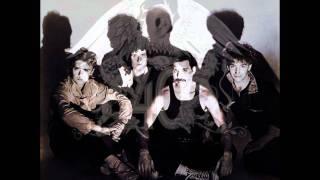 Gambar cover 03 - Hammer To Fall (Headbanger's Mix) - Queen Remastered 2011