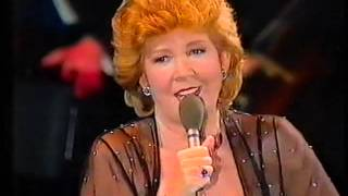 "CILLA BLACK SINGS  ""STEP INSIDE LOVE"" LIVE!"