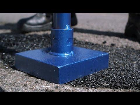Löcher in Asphalt reparieren | Kaltasphalt