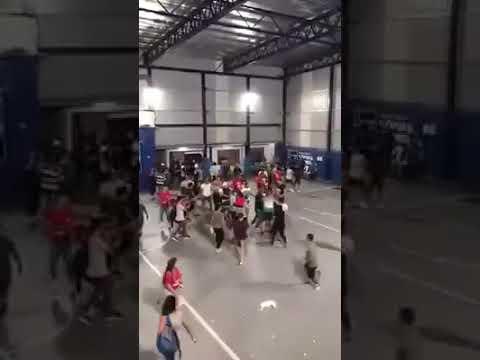 Batalla campal en un partido de fútbol infantil categoría 2009