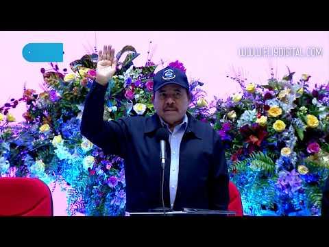 Daniel y Rosario presiden Vigésima Promoción de Damas y Caballeros Cadetes de la Academia de la Policía